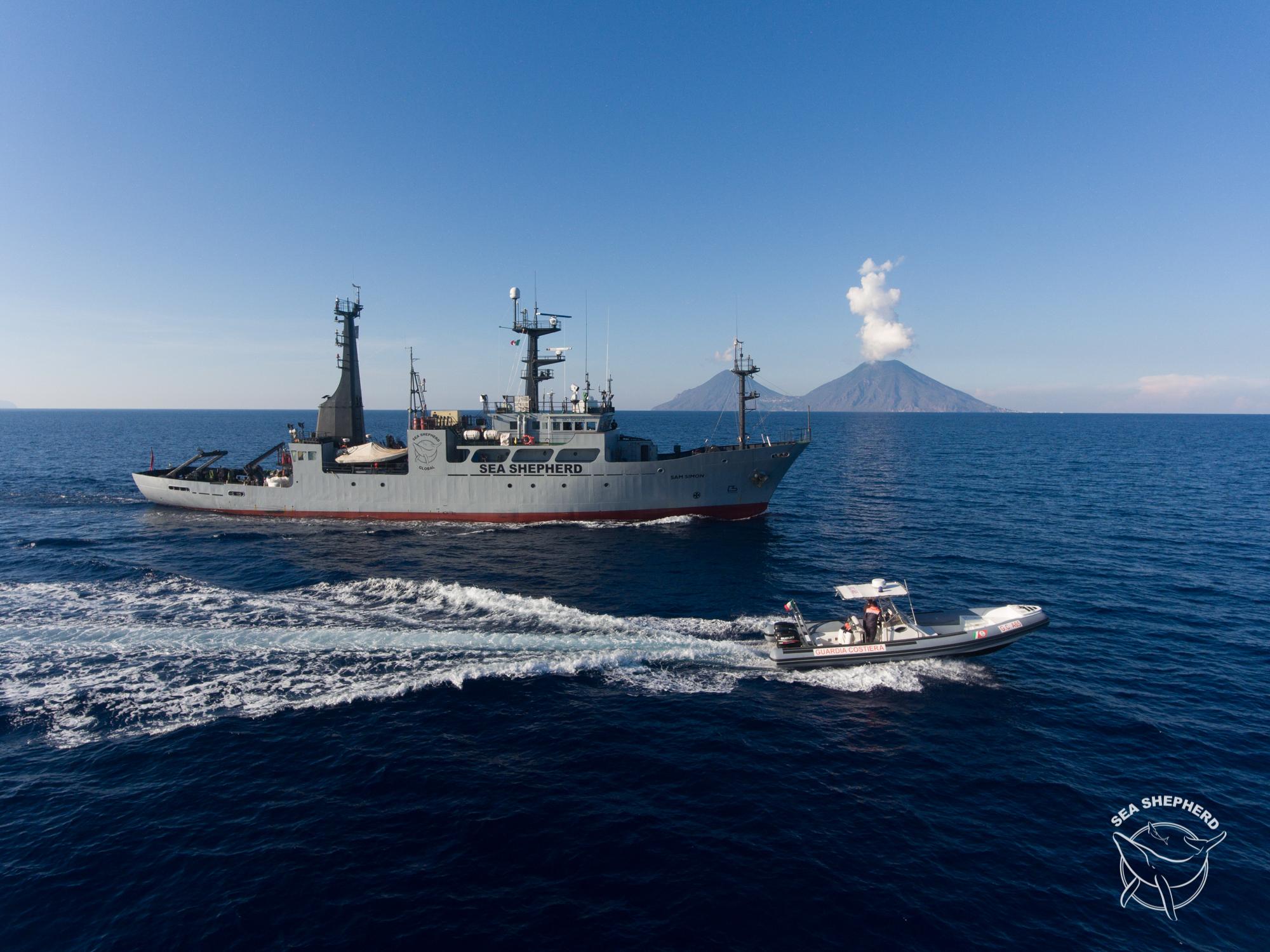 Le nostre navi al largo delle Eolie per Operazione SISO